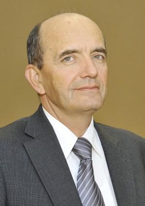 Szymon Rosiakq