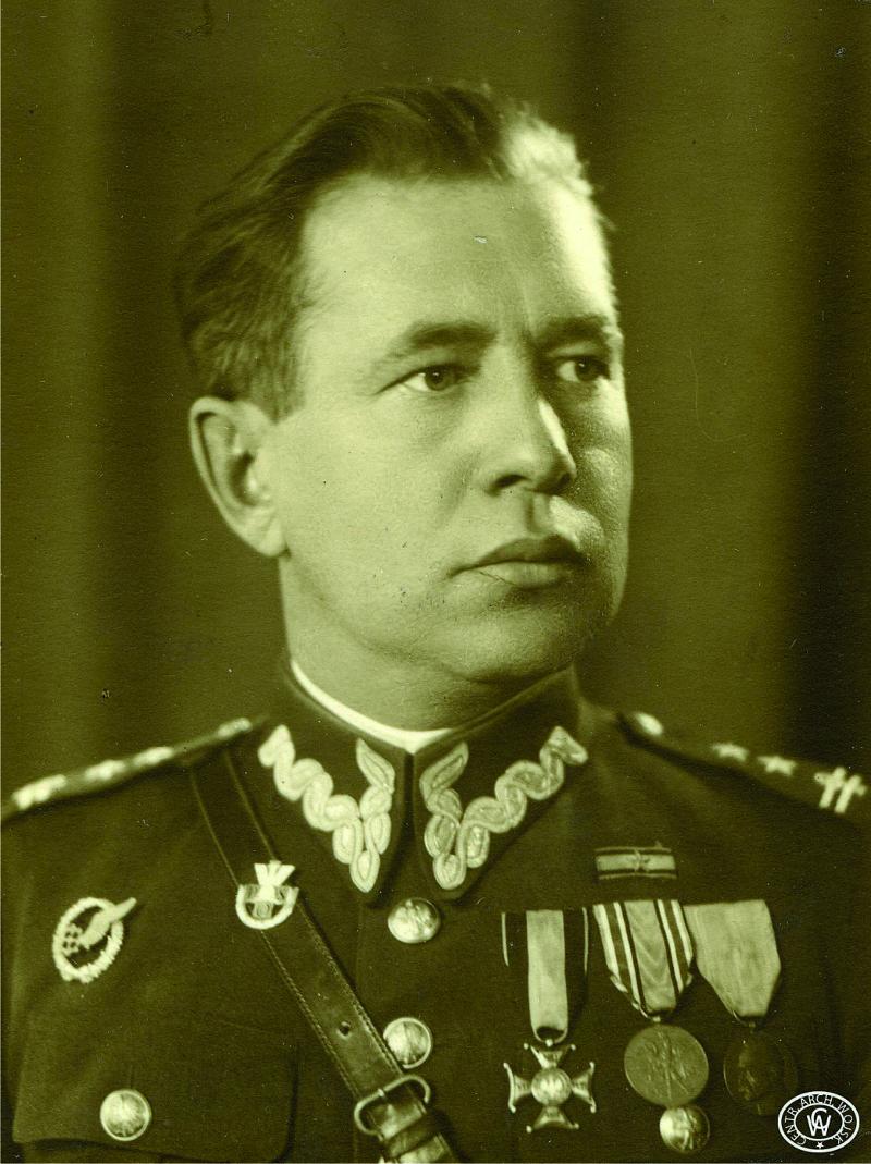 Płk Julian Sielewicz. Fot. ze zbiorów CAW.