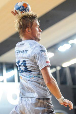 Skrzydłowy Paweł Kowalik rzucił siedem bramek był pierwszoplanową postacią legionowian Fot. fotoMiD