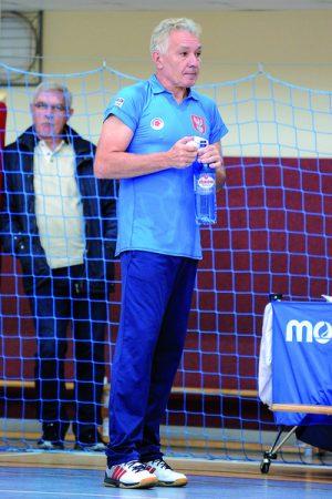 """Trener Wojciech Lalek stara się dostrzegać plusy i minusy w grze swoich """"Laleczek"""" Fot. fotoMiD"""