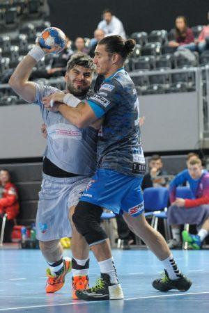 Dwaj wyróżniający się gracze tego spotkania: Antonio Pribanić i Iso Sluijters Fot. fotoMiD