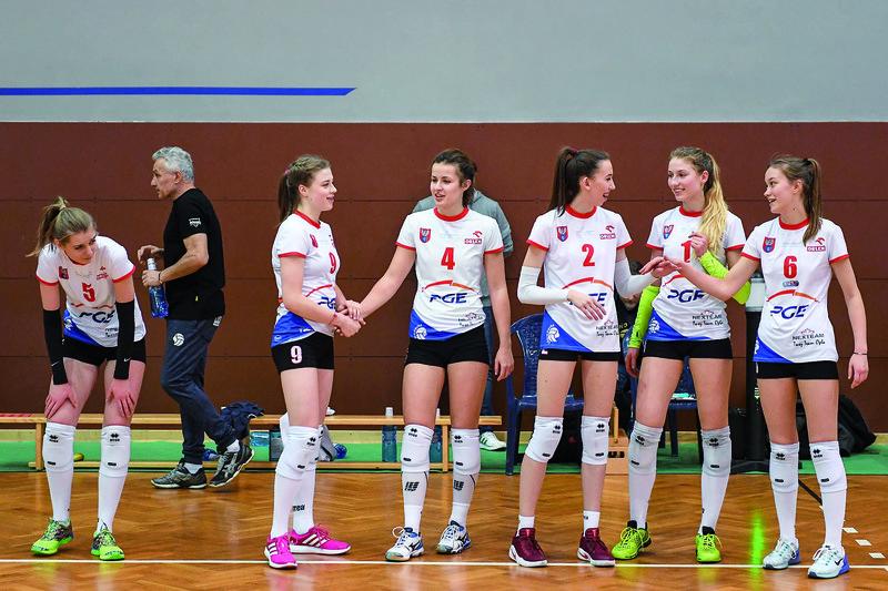 Podstawowa szóstka legionowskich juniorek w tym meczu: J.Skowron, M. Montowska, O. Omelaniuk, K. Niderla, B. Zakościelna i P. Sobolewska  Fot. FotoMiD