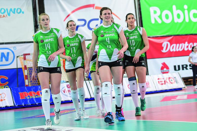 Przyjechały, zobaczyły, zwyciężyły. Od lewej Natalia Mędrzyk, Megan Courtney, Katarzyna Konieczna (MVp spotkania) i Izabela Bałucka Fot. fotoMiD