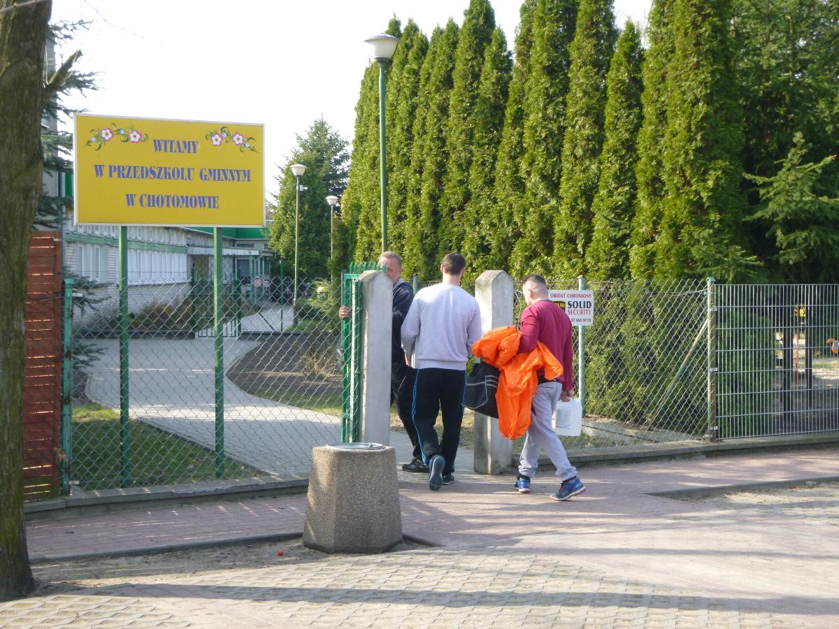 Ekipa przeprowadzająca dezynfekcję weszła na teren przedszkola dopiero w poniedziałek 3 kwietnia. Fot. DB